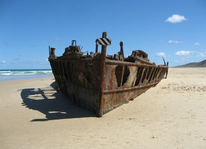 ship-wreck-338090_1280